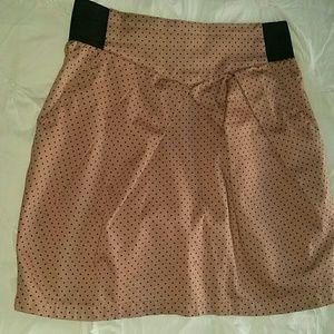 Pink dots short skirt