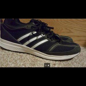 Adidas Bounce running shoe size 11
