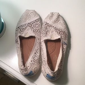 TOMS cream color, lace slip ons