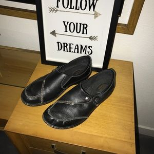 Black Clarks loafers 11W