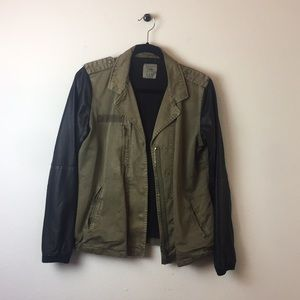 zara trafaluc green army leather bomber jacket M