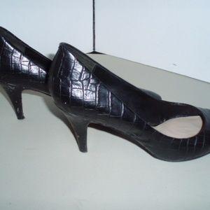 ZARA Black Textured Leather Classic Heels/Pumps