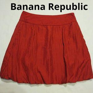 Banana Republic Size6 Brick Red Silk Balloon Skirt
