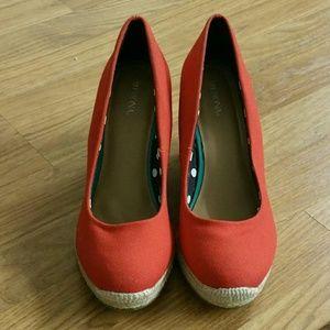 Merona Red Wedges