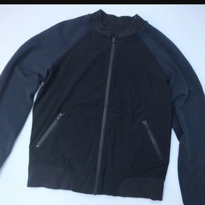 lululemon Navy/Black Bomber sz 6
