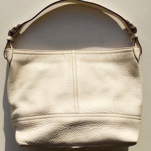 c6443b82c89f Coach Bags - Coach 5715 Signature Pebbled Leather Hobo Bucket