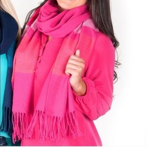 🎉 Pink Scarf