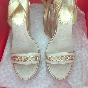 🥳SOLD 🥳🥳Coach Gold chain Sandals 6.5/7 Narrow