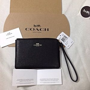 Coach Small Black Wristlet-NWT Gift box included