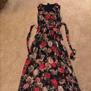 Disney Beauty & Beast maxi dress. Size M.