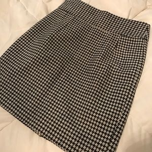 Perfect holiday Wool houndstooth miniskirt