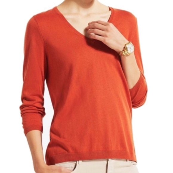 e649146642 Burnt Orange Massimo Dutti V-Neck Sweater. M 5a10cf92c284560dd20432b1