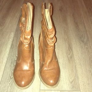 Mudd ankle booties