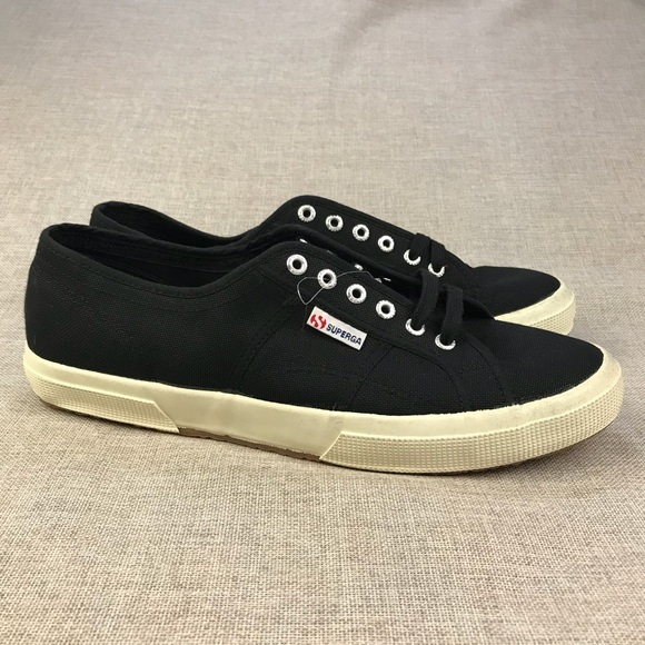 9519aa0d5b4 Superga Black Lace Up Canvas Shoes 👟