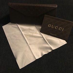 Gucci glasses sunglasses case