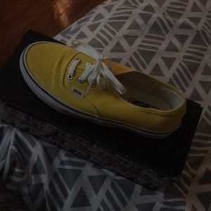 Yellow Vans Size 6 in Men's ... Women's 7.5