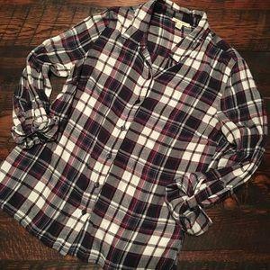 Soft/Light Weight Flannel Print Button Down!