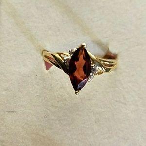 Stunning garnet & white topaz 10k gold ring