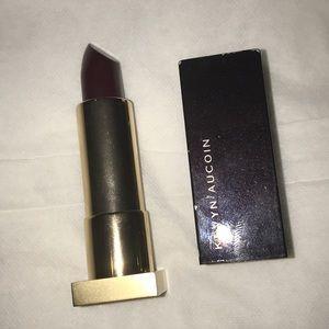 Kevyn Aucoin the expert lip color in BlackDahlia