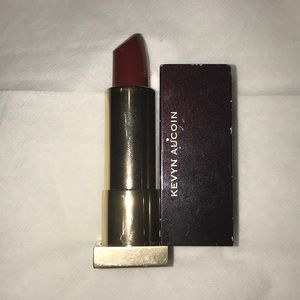 Kevyn Aucoin the expert lip color in Blood-roses