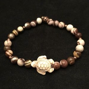 Brown & Ivory Marbled stone Bracelet w Turtle 7.25