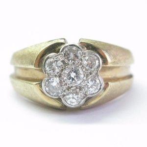 Fine Round Cut Diamond 7-Stone Cluster Yellow Gold