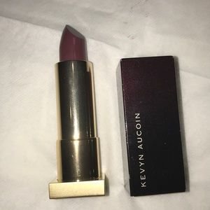 Kevyn Aucoin the expert lip color in Twilightlotus