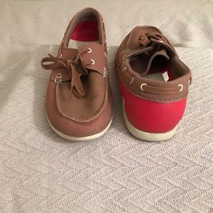 Men's Beach Line Boat Slip-on in brown and red