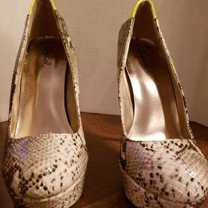 Qupid Stiletto heels