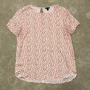Ann Taylor LOFT Clean Tee in Salmon/Navy Print