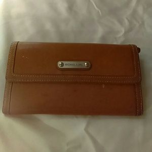 Michael Kors Tan Leather check book wallet