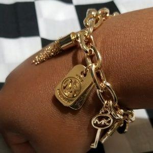 🎁Michael Kors Charm Bracelet