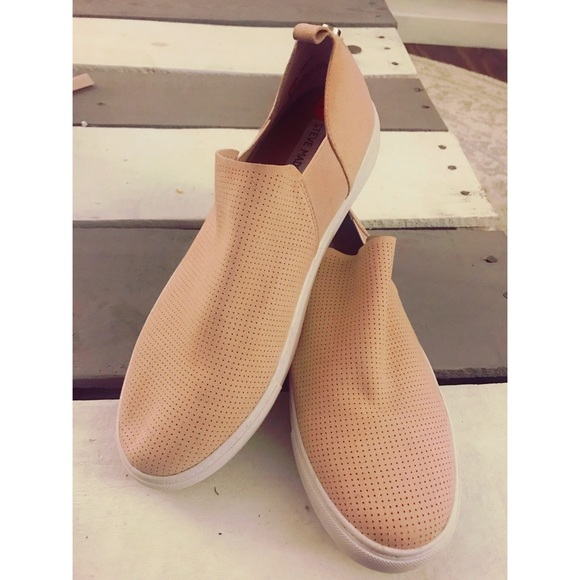 07e9a18097f Blush Nude Slip-On Steve Madden Sneakers. M 5a10e7a9d14d7b6987049b5e