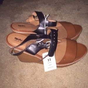 Mossimo size 11 wedges