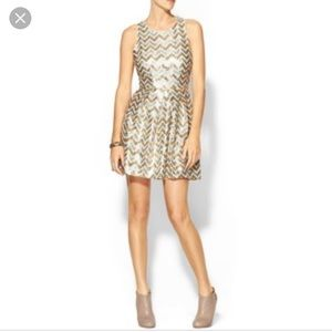 Beautiful sequin dress.Perfect for the season 🍾🎄