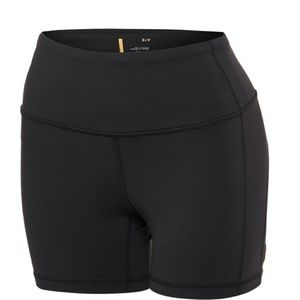 Lucy Shorts - Perfect Core Shorts Black