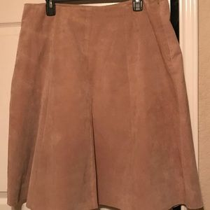 Suede skirt by Daisy Fuentes collection.