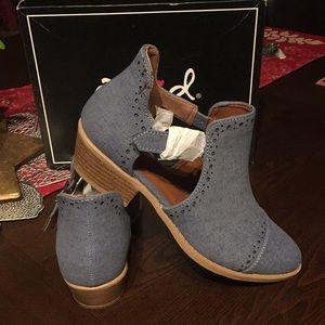 Qupid Sz 6 brand new booties