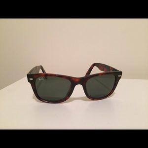 Ray-Ban Wayfarer Men's Sunglasses