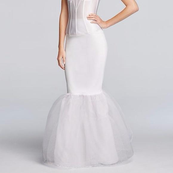 89852cb2f1b90 Wedding Dress Trumpet Silhouette Slip