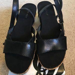 BNIB Nine West Frankeno 7 black ankle strap
