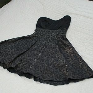 Dresses & Skirts - Baby doll party dress