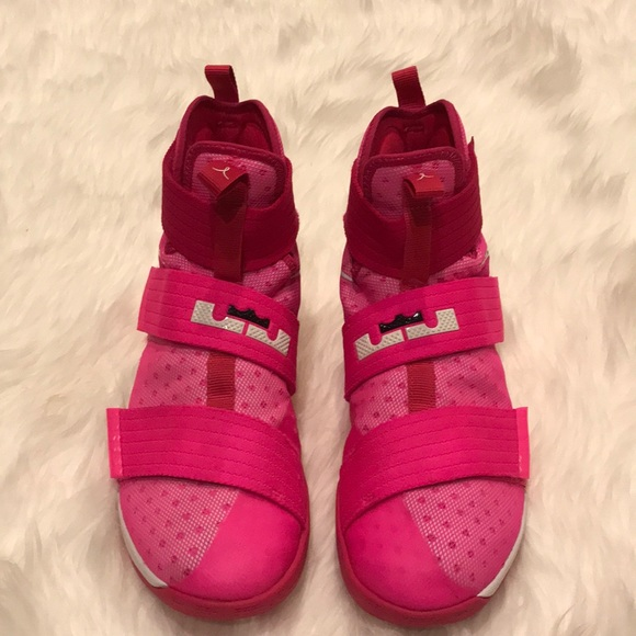 842dae3fa6af Lebron Soldier 10 X Breast Cancer Kay Yow Pink. M 5a10f393f09282408b04dca0