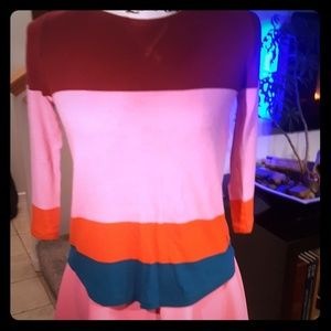 3/4 sleeved color block shirt
