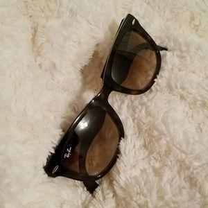 UNISEX 💗 Foldable Wayfarer Sunglasses