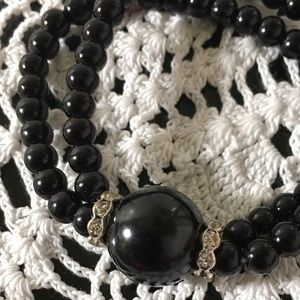 Jewelry - 🌹🌹Black bead with rhinestone accent bracelet🌹🌹