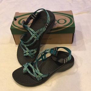 *NWT* Chacos