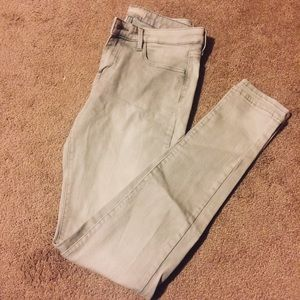 Super Light Grey Skinny Jeggings