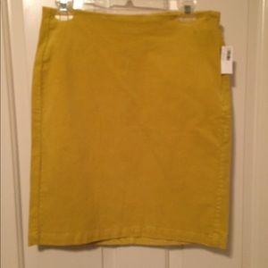 Brand new Old Navy corduroy skirt size 4