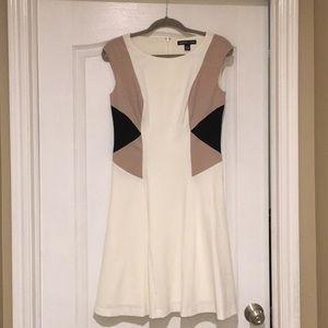 Beautiful, EUC, American Living Dress!